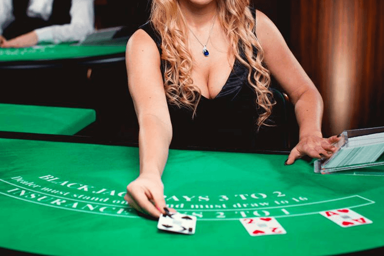 How to Play at Live Casino